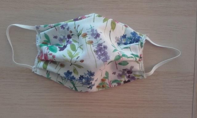 masque barrière artisanal en tissu lavable réutilisable