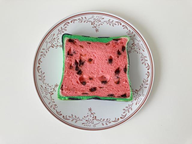スライスした赤色のすいかパン,スイカパン,ボローニャ,bologne,BO-LO'GNE,フラーズ,