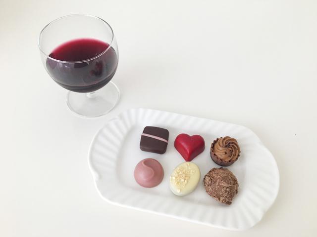 ,赤ワインと6粒入のデジレーのチョコレート,トリュフ,バレンタイン,ダスカジャパン クァウテモック, Désirée,chocolate,Valentine,truffle,Bonbon de chocolat,