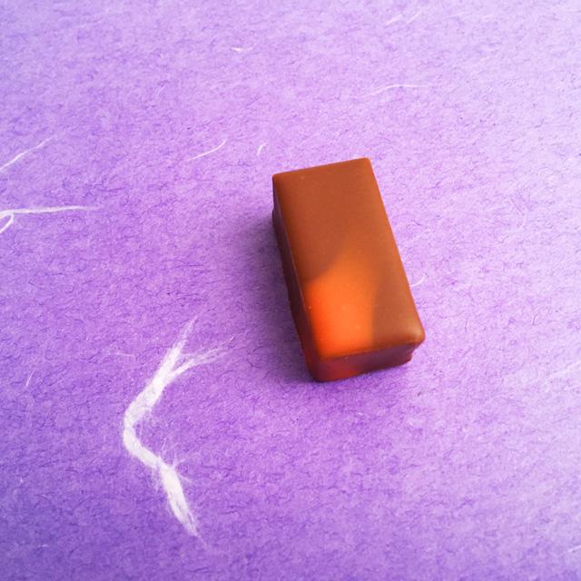 ルショコラドゥアッシュ,LE CHOCOLAT DE H,陰翳礼讃の翳を表現したチョコレート,