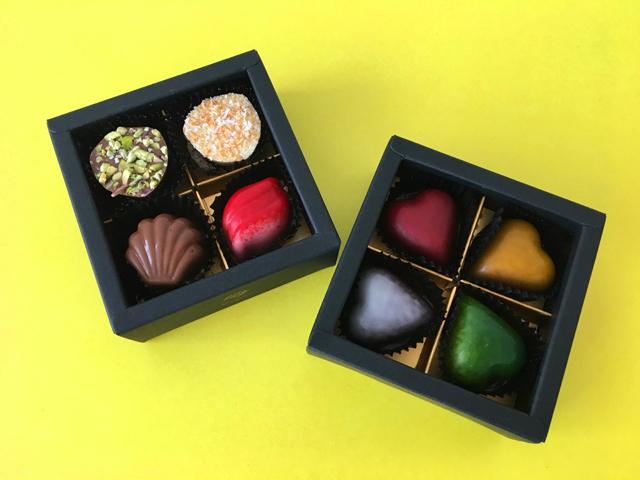 ピエールルドンの各4個ずつ入った箱を2箱を並べた状態,プチシャトー,8個入,バレンタインチョコ,ベルギーチョコレート, Pierre Ledent,Petit Château,Valentine,chocolate,Belgium,