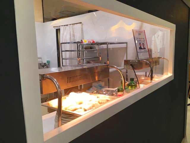 ラファリグール,La farigoule,イートインの調理場の小窓,フランスフェア2019,