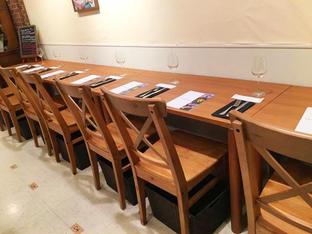 ラファリグール,La farigoule,イートインの一人掛け用のテーブル,フランスフェア2019,