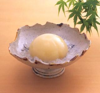宗家 源 吉兆庵,和皿に入った清水白桃ぜりぃ,母の日,2020,