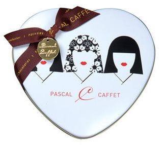 パスカル カフェ,アムールクール・ジャポネ,和のデザインがされたハート形の缶,Pascal Caffet,