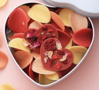 ショウダイビオナチュール,コフレ クール ロゼ,ハートのBOXに花びら型のチョコレートが入っている,バレンタイン,2021,チョコレート,shoudai bio nature,Valentine,chocolate,