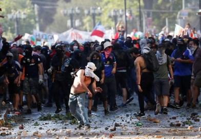 Les peuples se révoltent contre la dictature étatique. Ca suffit le confinement dément