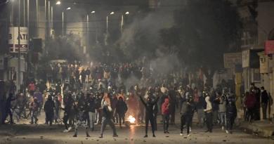 COUP D'ÉTAT EN TUNISIE : QUESTIONS-RÉPONSES