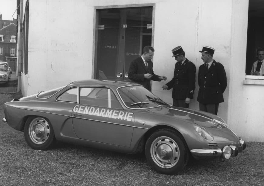 Alpine A110 Berlinette BRI Gendarmerie 4 | BRI : Alpine, au sein d'une unité d'élite