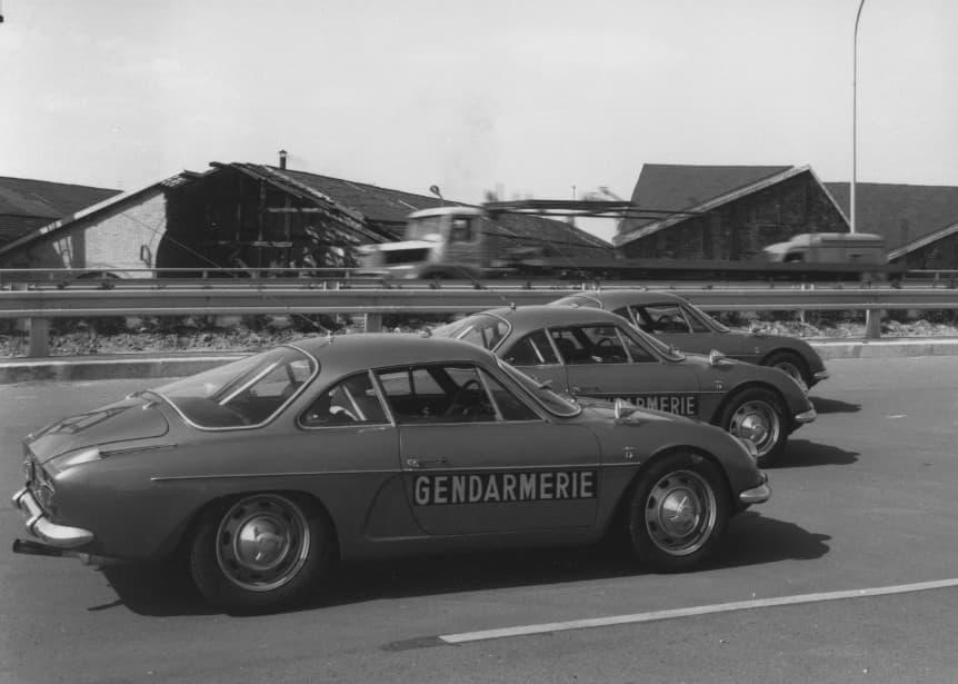 Alpine A110 Berlinette BRI Gendarmerie 6 | BRI : Alpine, au sein d'une unité d'élite