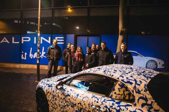 Alpine AS110 A110 Viree nocturne showroom 7 fevrier 2017 Team (2)