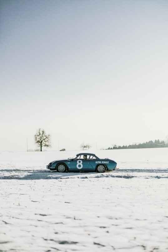 Alpine LAB et son Alpine A110 1300S Usine de 1968 Classic Driver - 4
