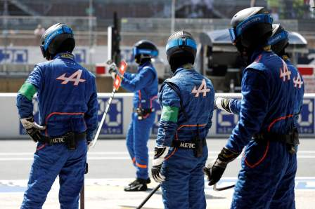 Alpine A470 24 Heures du Mans 2017 Signatech Matmut Endurance WEC Panciatici Ragues Menezes Rao Negrao Dumas (6)