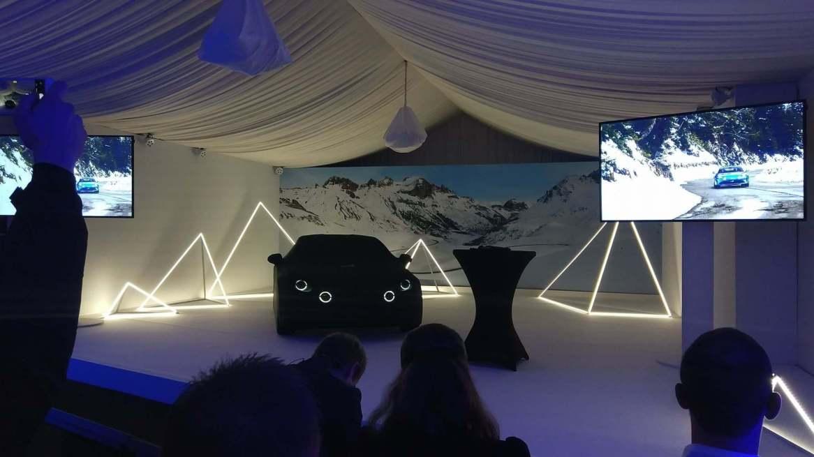 essai collaborateurs a110 alpine rrg test drive showroom - 3