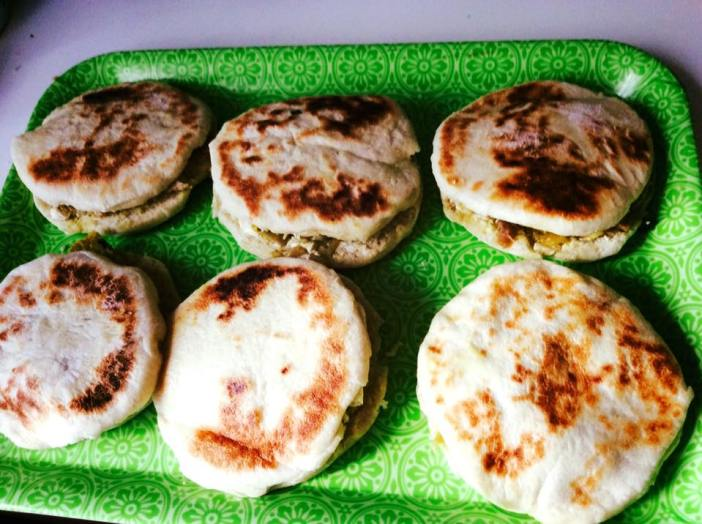 Chapatis, mini pains indiens farcis au poulet