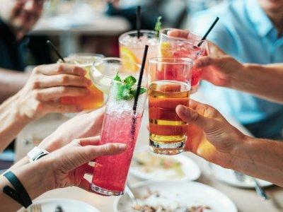 Apprenez à créer des cocktails originaux et surprenants en EVJF
