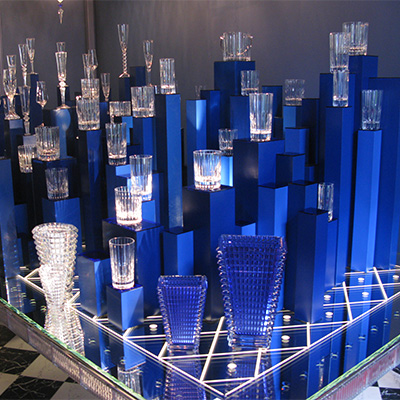 supports de verres pour le decor du showroom Baccarat Paris