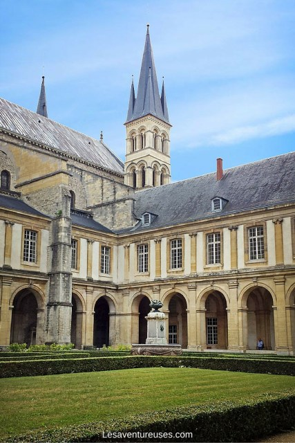 Visiter Reims - Cloître Basilique Saint Remi