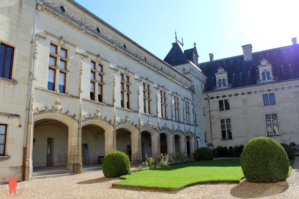 Château de Brézé Cour Intérieur