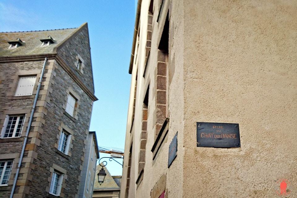 Rue du Chat qui danse - Visiter Saint-Malo