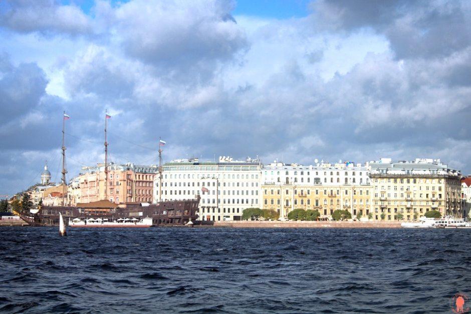 Palais de Peterhof-Estuaire-Neva