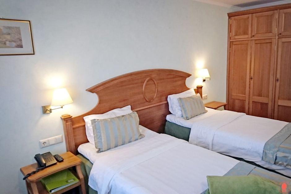 Visiter-saint-pétersbourg-où-dormir-3mosta