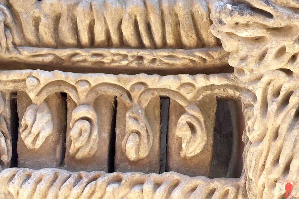 Détails d'une partie de la structure du Palais Ideal