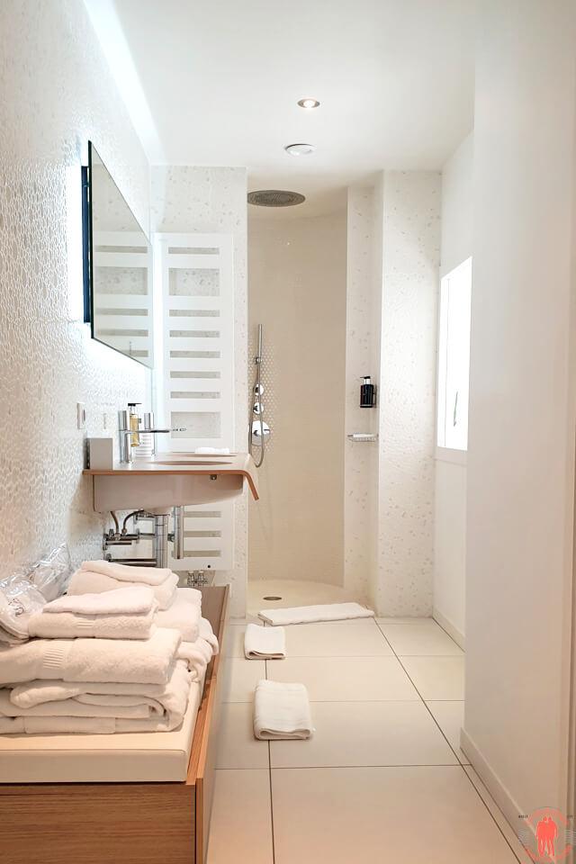Salle de bain chambre Blanche