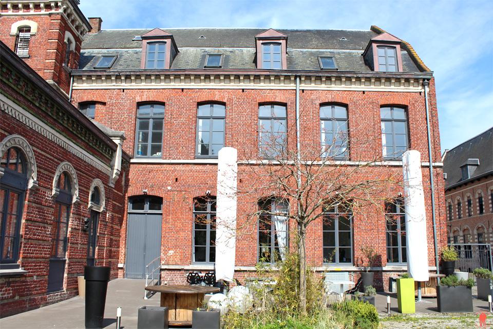 Restaurant le Paradoxe à Tourcoing - Extérieur Hospice des vieux hommes Près de Roubaix