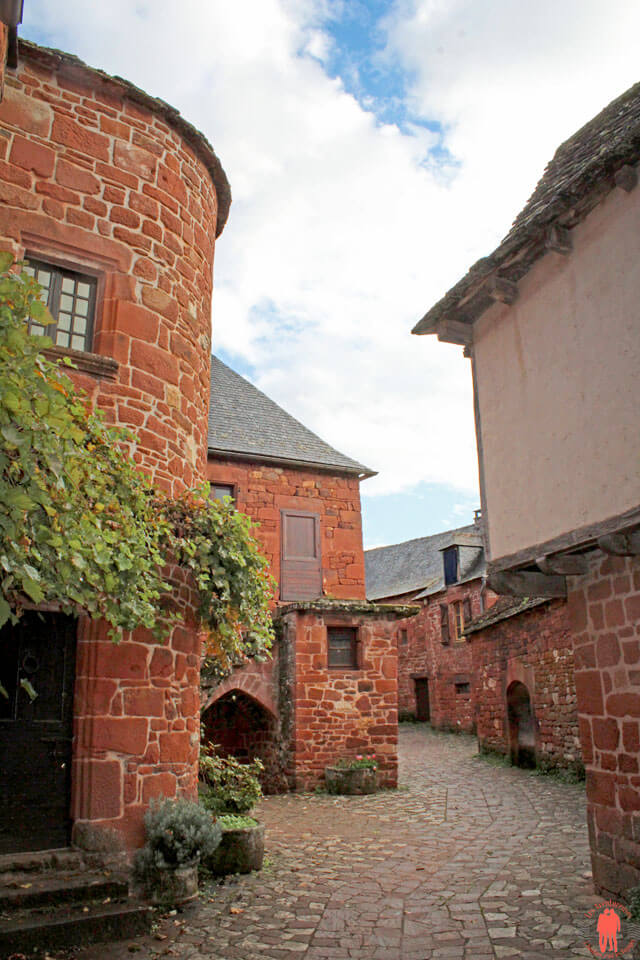 Rue-de-collonges-la-rouge-1