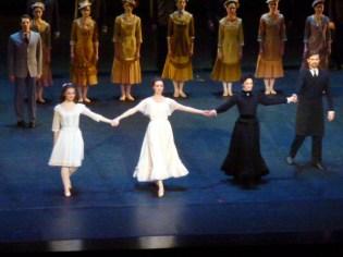 Fall River Legend. Laura Bachman (l'accusée enfant), Marie Solène Boulet (la mère), Caroline Bance (La Belle-mère)