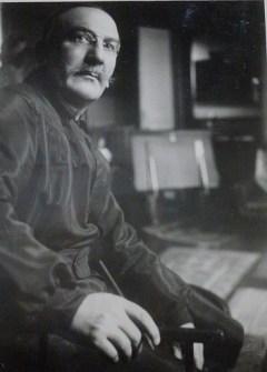 Léon Bast. Studio Witzel. 1917. Le Maître...