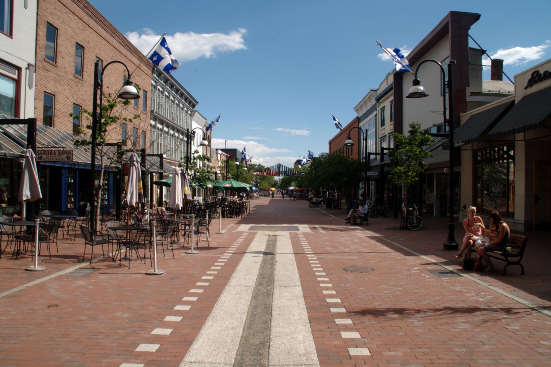 Promenade dans le secteur historique de Burlington
