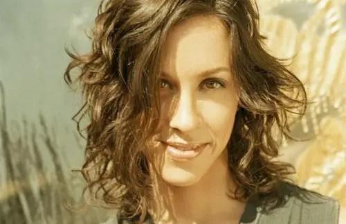Alanis Morissette se gana un puesto en el paseo de la fama de la industría musical de Cánada