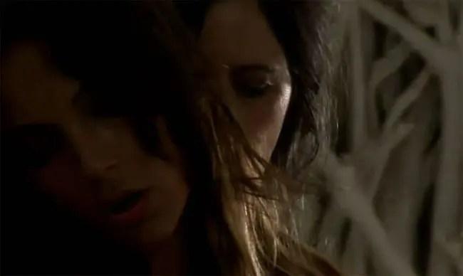 Sarah Nile protagoniza un video musical lesbicanario
