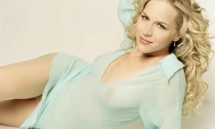 Julie Benz vuelve a un papel lésbico en Royal Pains