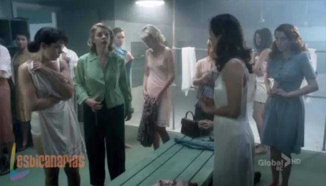 Betty, Kate y Gladys en los vestuarios