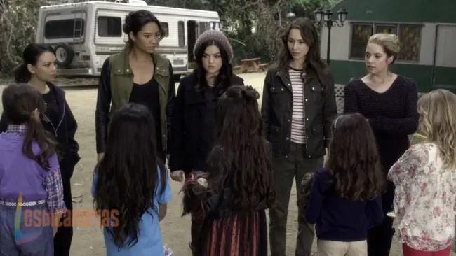Pretty Little Liars resumen de episodio 4x01 • Lesbicanarias