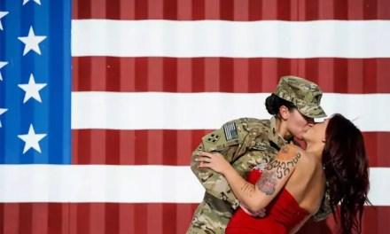 10 fotografías de soldados lesbianas con sus novias
