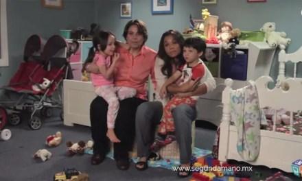 Una familia de dos mamás protagoniza la campaña de Segundamano
