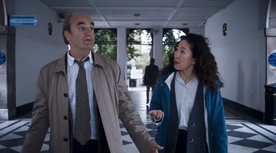 Bill y Eve hablando sobre Villanelle