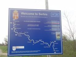 Chouette accueil en Serbie, surtout après la mine antipathique des douaniers.