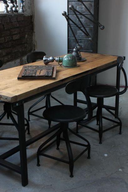 http://frenchyfancy.com/pour-lamour-des-meubles-industriels/