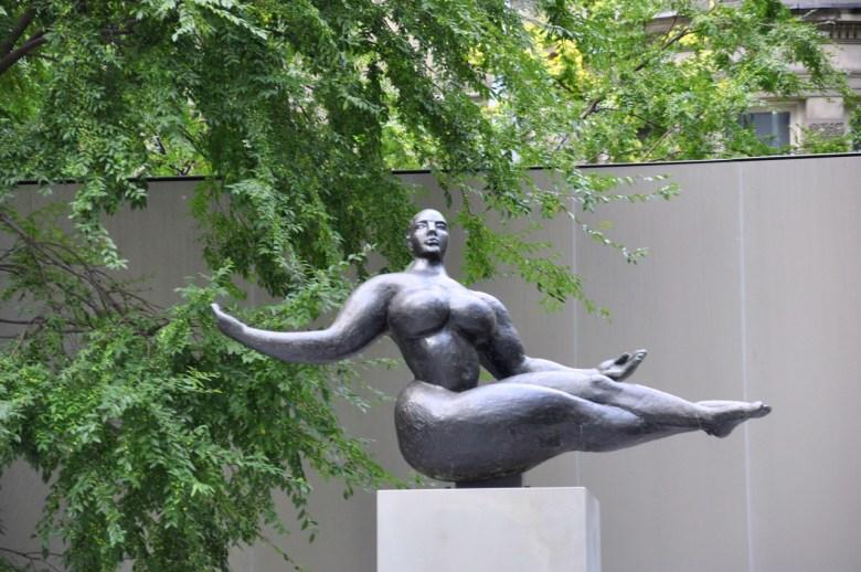 Lévitation au jardin du MOMA