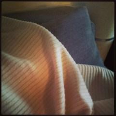 Plaid, canapé et tv pour finir la journée