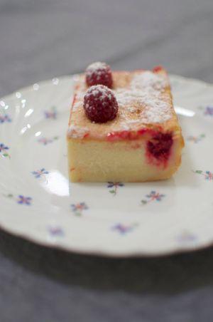 Gâteau magique à la vanille et aux framboises