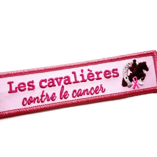 Porte-clés de l'association Les cavalières contre le cancer.