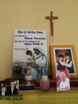 Mère Thérésa : la fierté des Albanais