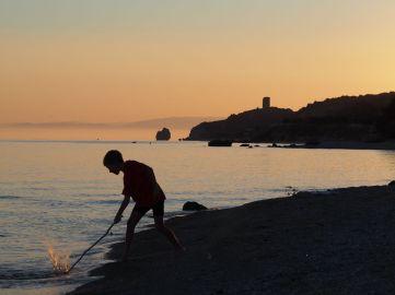 Jeu de plage en fin de journée