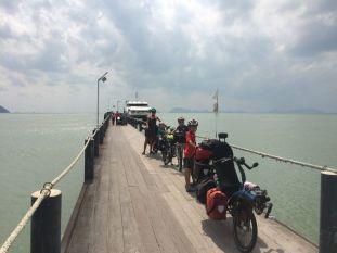 Fini les îles (et les vacances...) reprise du voyage à vélo